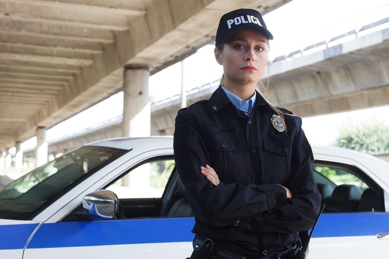 大阪府堺市北区新金岡町30代女性★警察官ヴォクシーで運転練習